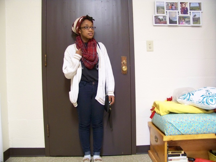 Hat: Forever 21; T-Shirt: ?; Cardigan: Outback Red (Goodwill); Jeans: Tokyo Darling (Aeropostale); Shoes: Old Navy; Bag: Charlotte Russe; Scarf: Charlotte Russe