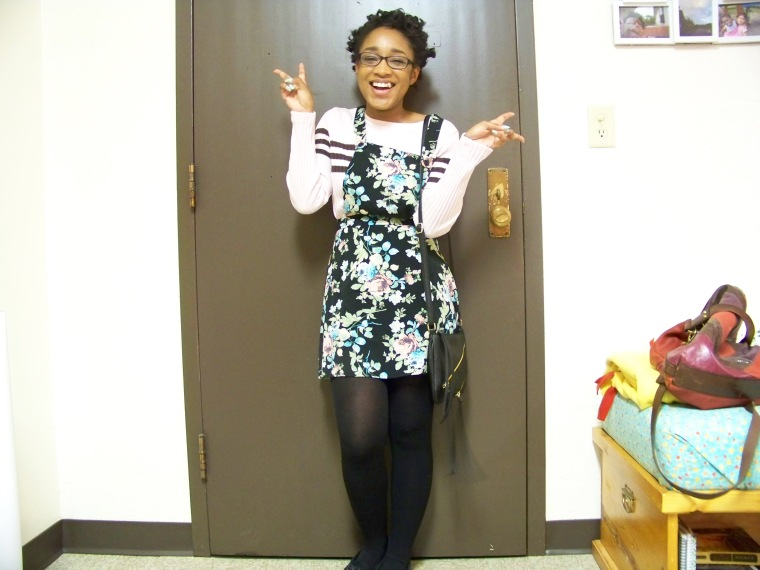 Dress: Kohl's; Sweater: CATO Fashions; Tights: Cato Fashions; Shoes: Old Navy; Bag: Charlotte Russe