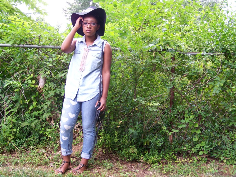 Hat: CATO; Top: CATO; Jeans: DIY; Shoes: Wetseal; Necklace: Forever 21; Bag: Charlotte Russe